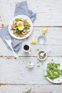 Salade printanière épeautre et oeuf mollet