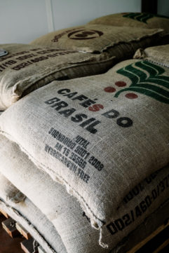 Visite de l'usine de café Malongo
