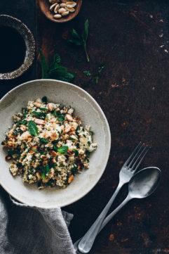 Chou-fleur cuisiné comme du riz frit